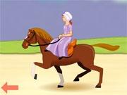 Пенни верхом на лошади