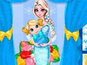 Эльза-мама убирается в детской