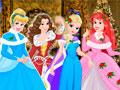 Принцессы Диснея готовятся к Рождеству