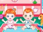 Игра с двумя детьми
